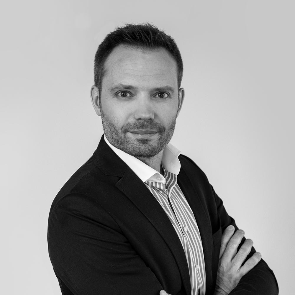 dr Marcin mika